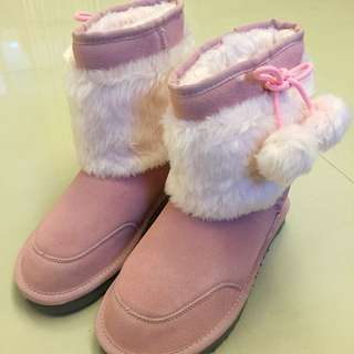 全新粉色UGG雪靴