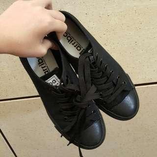 黑鞋 工作鞋 上班 帆布鞋