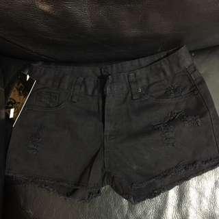 26吋腰 黑色短褲