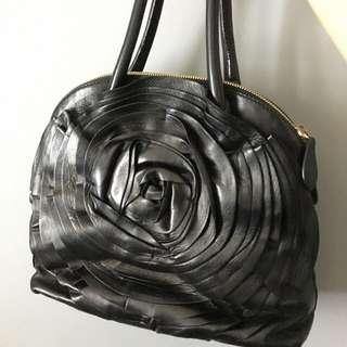 Valentino玫瑰經典牛皮包。絕對正品。