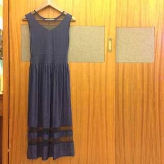 全新。透膚深藍長裙