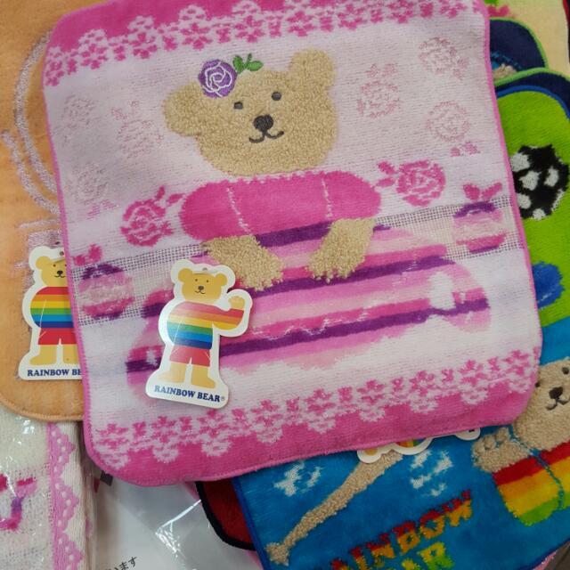 全新 日本製 彩虹熊小毛巾 熊熊手帕 日本方巾