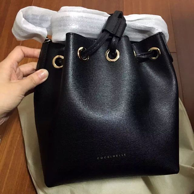 5dbc979b5c3e7 Coccinelle Bucket Bag