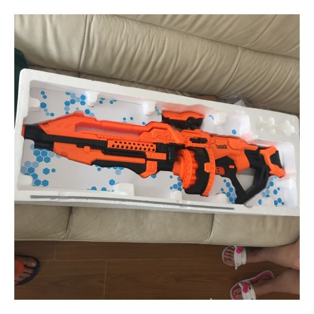 cyber hunter halo like star wars nerf gun Cosplay , Toys & Games, Bricks &  Figurines on Carousell