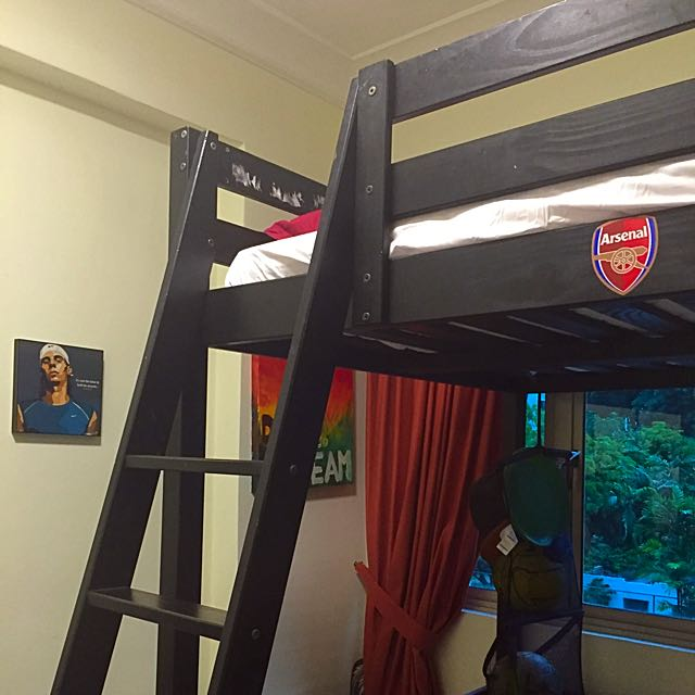 Space Saving Loft Bed With Mattress