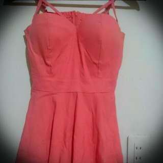 粉色 露肩小洋裝