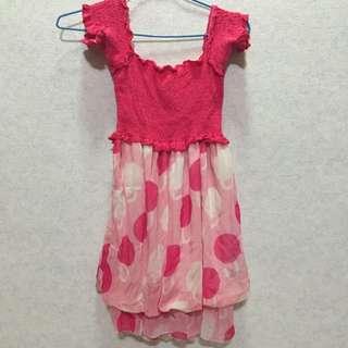 可愛的粉點洋裝👗