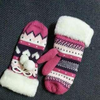 全新暖呼呼保暖愛心針織球球可愛手套