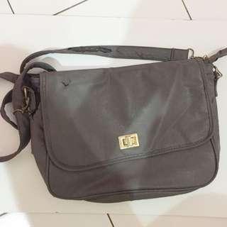 Sling Bag The Little Things She Needs Preloved