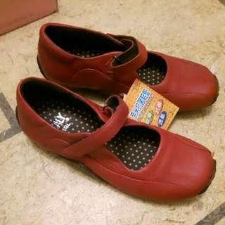 (全新)Italy Girl 牛皮紅色包鞋(24.5號)