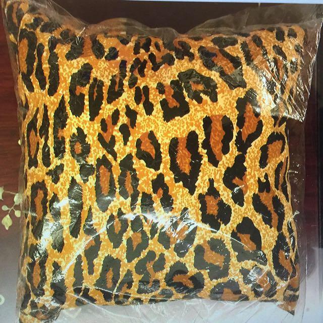 豹紋小抱枕