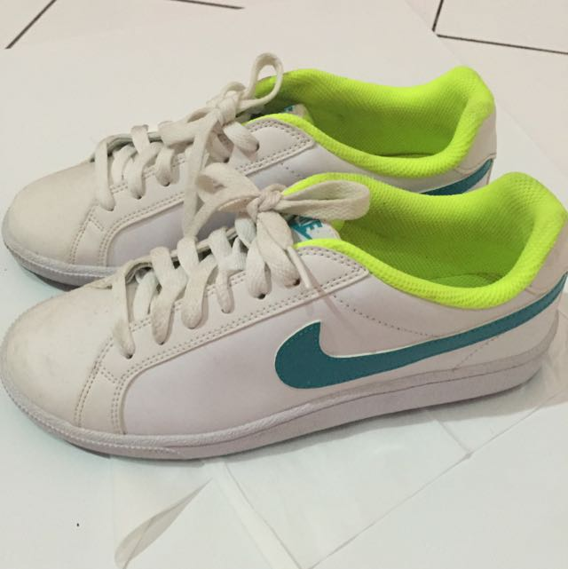 Nike Shoes Preloved