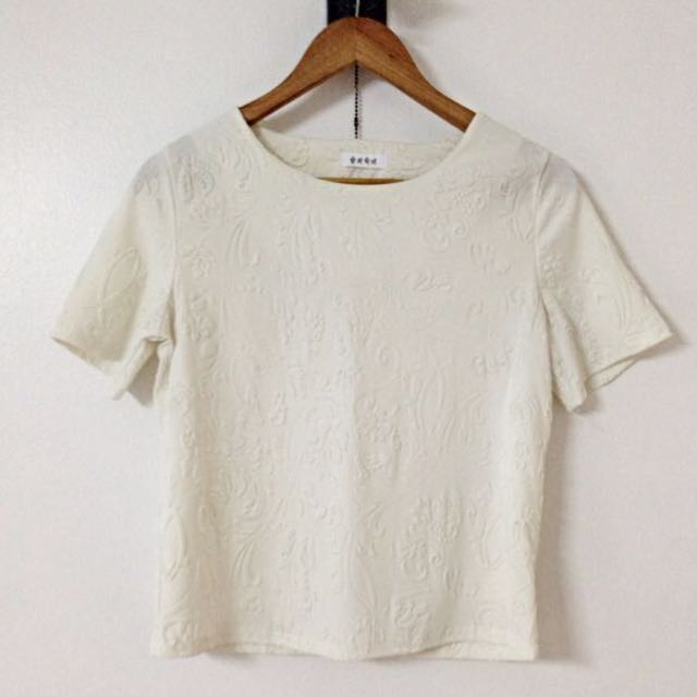RESERVED White Floral Pattern Top