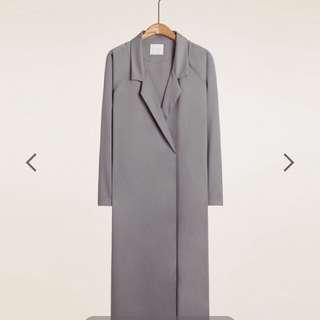 俐落質感 大口袋不修邊長版外套
