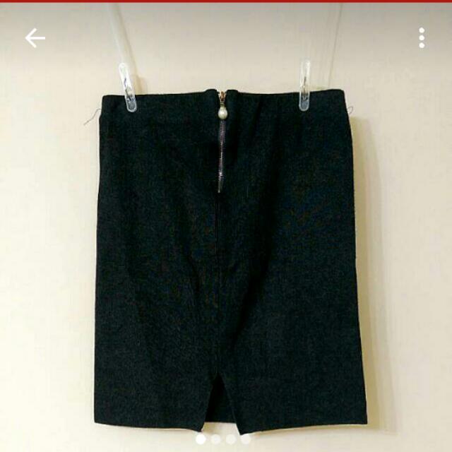 """質感鐵灰色彈性針織""""小心機後開叉""""包裙"""