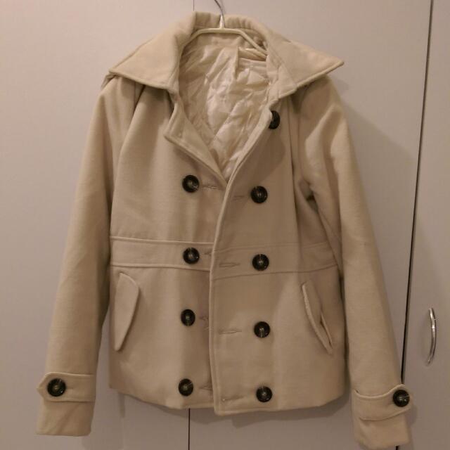 米色雙排扣外套