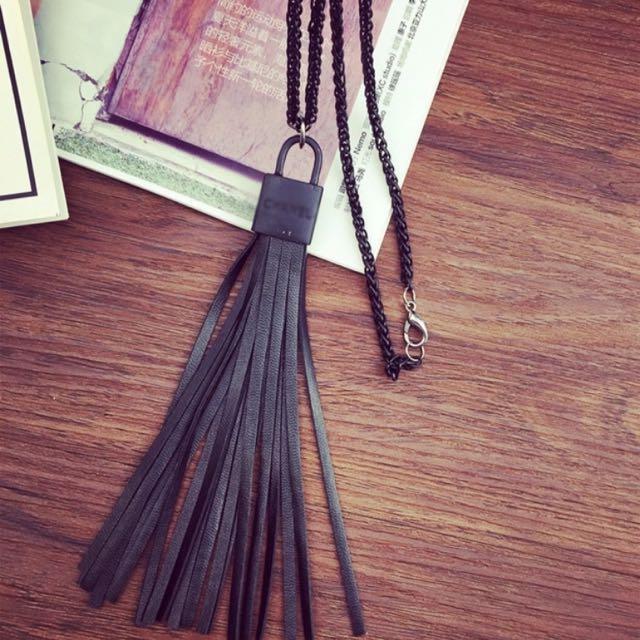 鎖型雙C黑流蘇 長項鍊