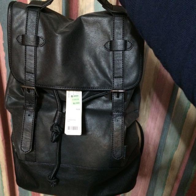 全新Esprit 仿舊皮後背包~黑色大容量。