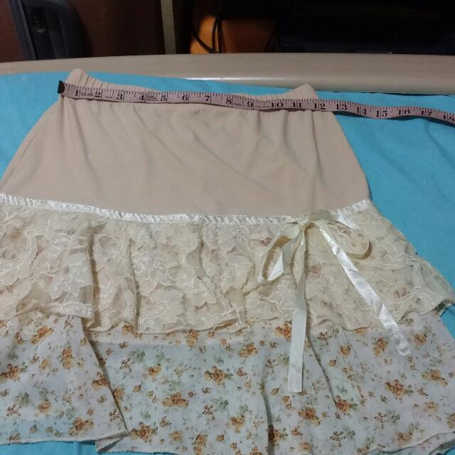 Ladies Beige Skirt