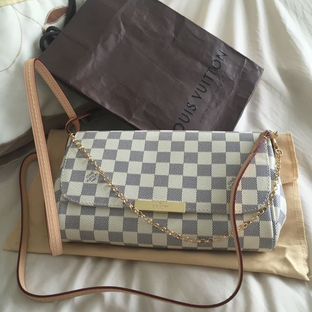 Louis Vuitton Favorite MM Clutch