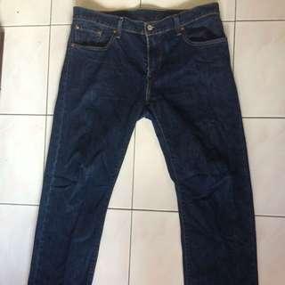 Levi's 502 Jeans