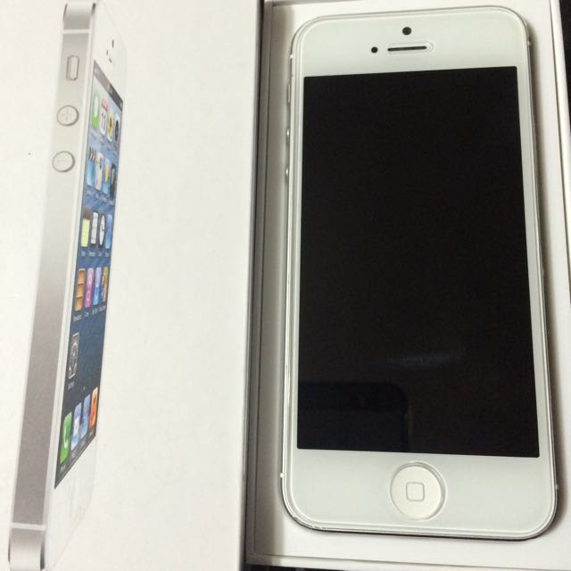 Unlocked iPhone 5 32GB White
