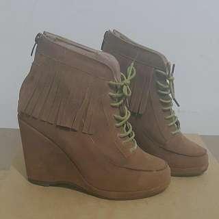 韓國麂皮流蘇楔形鞋