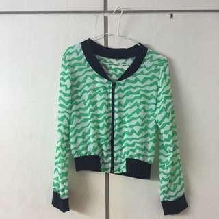 綠色短版薄外套
