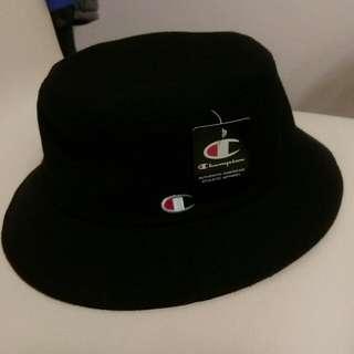 正品Champion 冠軍 漁夫帽全黑 黑 帽子 簡約logo