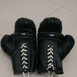 16 Oz 黑色拳擊沙包手套