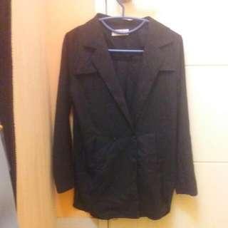 黑色斜領薄外套