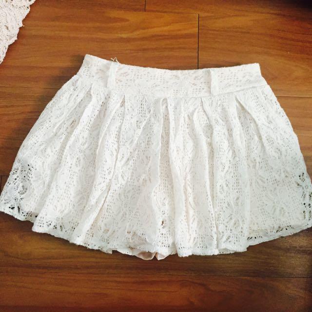 白色 短裙 褲裙 蕾絲