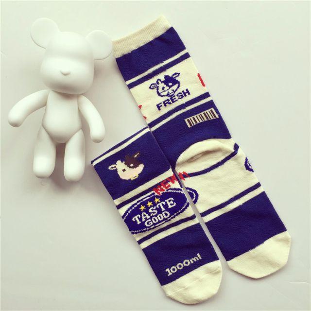 日本原宿創意牛奶牛乳插畫襪秋冬中筒棉襪字母milk古著zipper雜誌 現貨