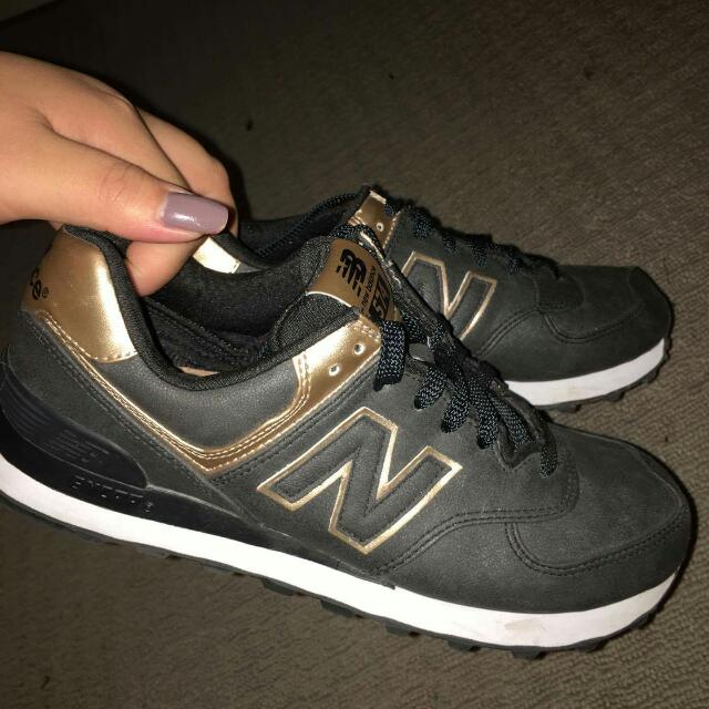New Balance 574 Black And Gold