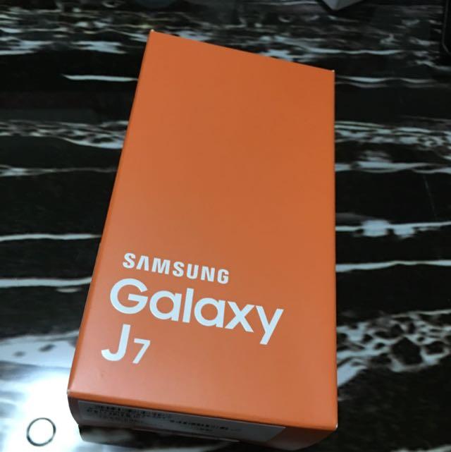 Samsung GALAXY J7金簡配(4G)