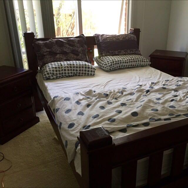 Solid Wood - Queen Bed