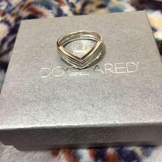 Dogeared 平衡骨戒指 勝利大V造型 三層款 優雅百搭 925純銀 附原廠盒