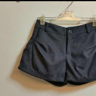 秋冬材質短褲