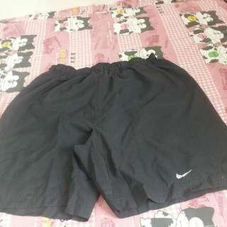 Nike 慢跑短褲,size M ,8成新
