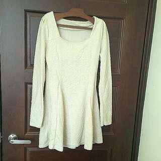 唯美壓紋白色傘洋裝