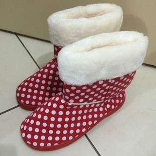 全新 紅底白點 雪靴
