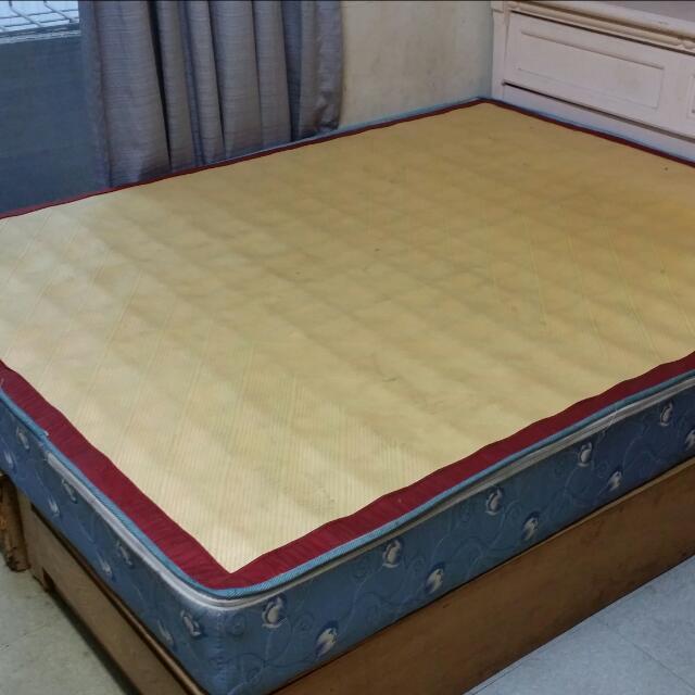 二手床墊。300元自取