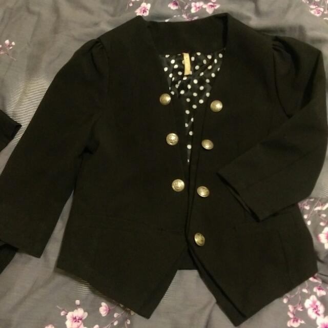 黑色短版西裝外套(含運)