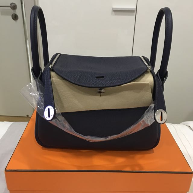 3645dfa8df1c BNIB Hermes Lindy 26 Blue Nuit in Clemence Leather Phw