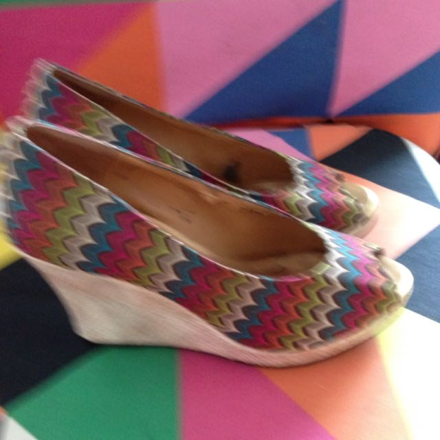 Colourful Size 6 Shoes