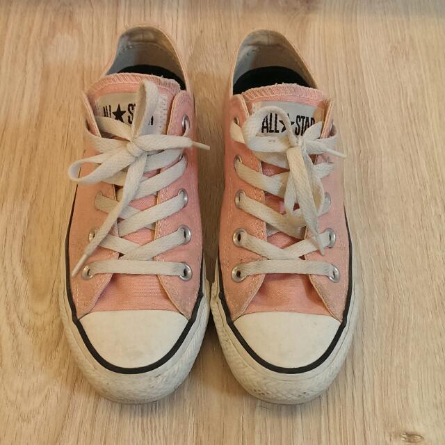 Converse粉紅色低筒帆布鞋