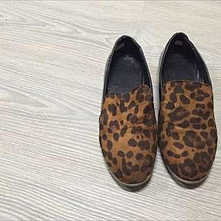 豹紋漆皮平底紳士鞋