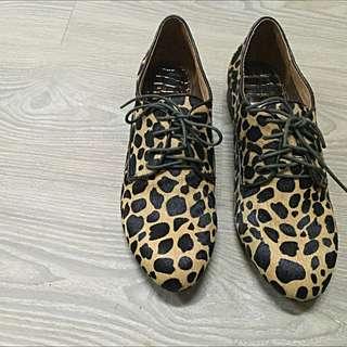 (降)全新馬毛豹紋紳士鞋