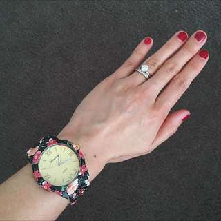 Valentine's special! $5 off!  Now only $27! Floral Stainless Steel Quartz Wrist Watch Available In 3 Colors