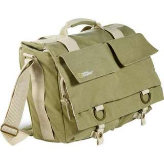 National GeographicEarth Explorer Large Shoulder Bag (Beige)